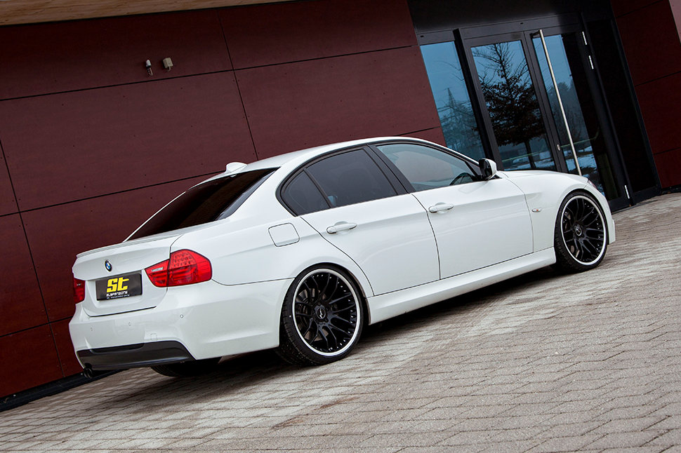 The ST X coilover suspension gives your BMW 3-series a significantly sportier handling in all situations.