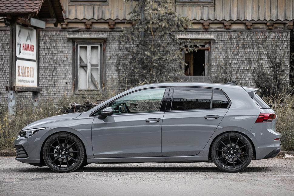 The coilover suspension kits ensure that the VW Golf 8 has plenty of grip and hugs every road. Handling becomes even more direct.
